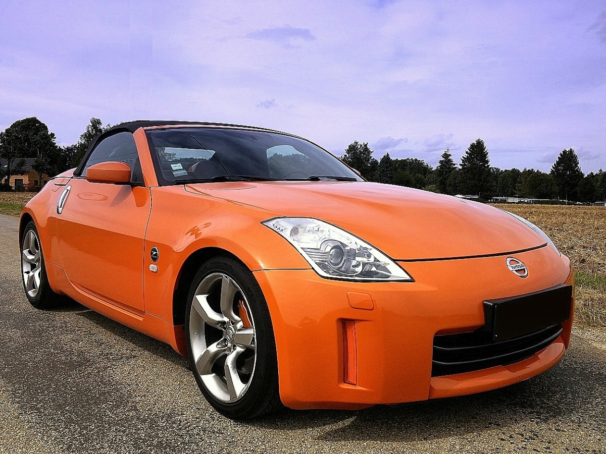 NISSAN 350Z ROADSTER SOLAR ORANGE